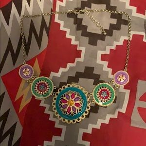 Short blocky necklace